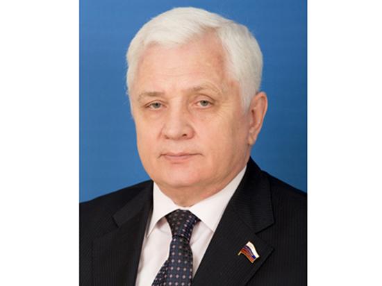 Экс-сенатор предложил убрать из гимна российского парламента слова об избранниках