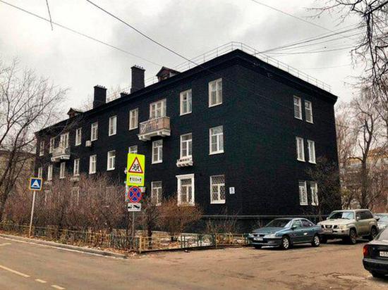 Дом в Котельниках ввел моду на черный цвет