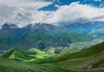 Конституционный суд РФ рассмотрел запрос о конституционности соглашения об административных границах между Ингушетией и Чечней — того самого, что вызвало массовые акции протеста в Ингушетии