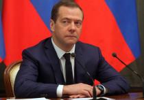 В прошлую пятницу, 23 ноября, за неимением других новостей с заседания президиума Госсовета по майскому указу, политологи и соцсети активно обсуждали отсутствие на нем Дмитрия Медведева