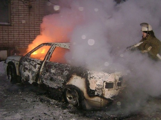 В центре Тамбова сгорела легковушка