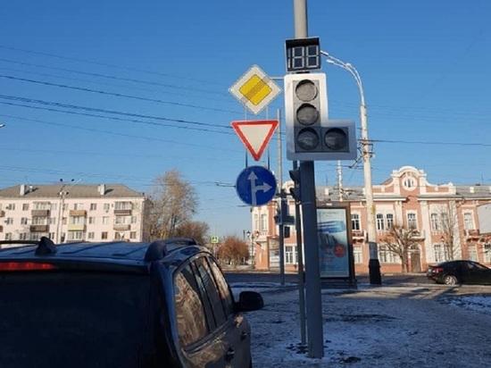 """В Тамбове у ДК """"Знамя труда"""" появился новый светофор"""