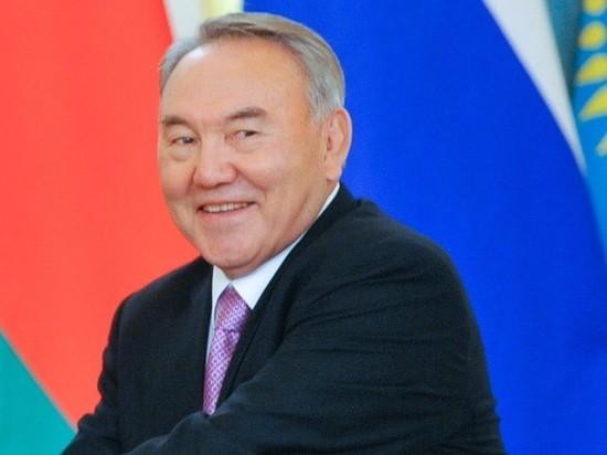 Назарбаев посоветовал недовольным пройтись по кладбищам