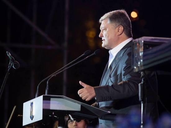 Порошенко подписал правильный указ о введении военного положения на Украине