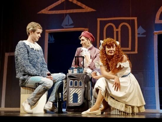 Лихорадка на сцене тверского театра не привела к зрительской эпидемии