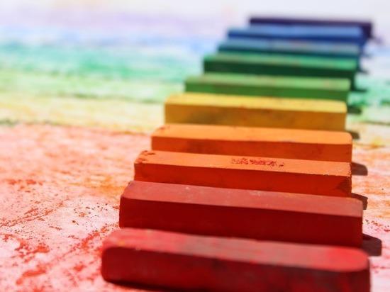 Скандал вокруг школьного рисунка с радугой выявил дурную ориентацию взрослых