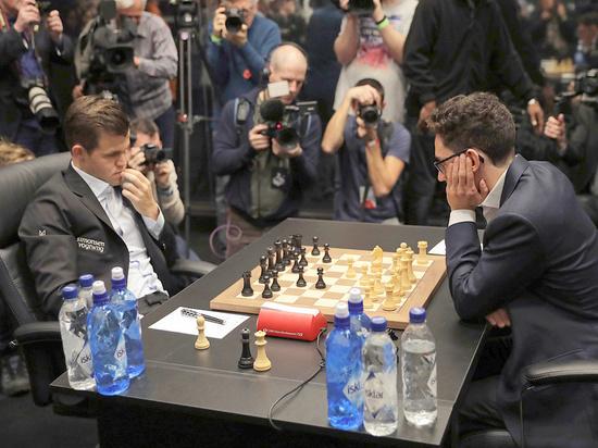Ноябрь выдался в мировых шахматах жарким