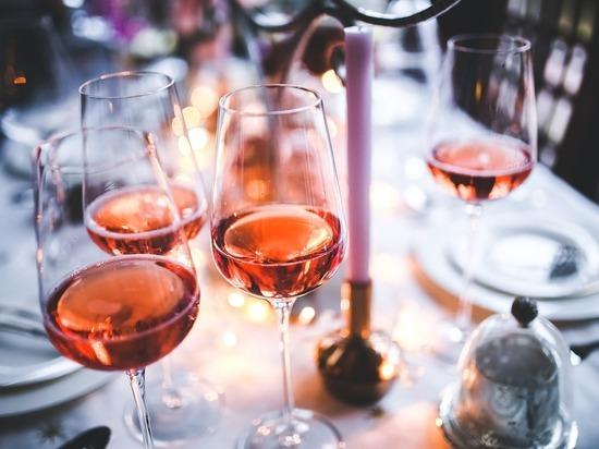 Ученые установили, какое количество вина полезно для сердца