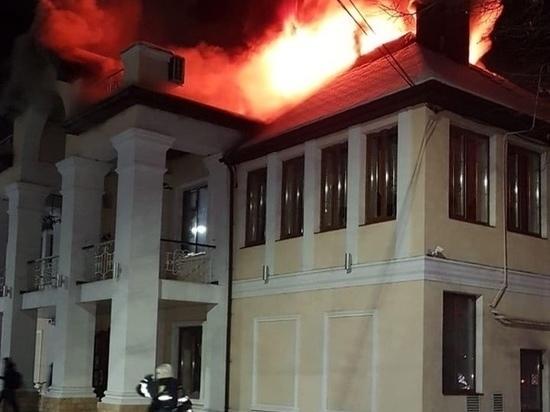 Пожар в «Петре Петровиче» вспыхнул из-за неисправного светильника