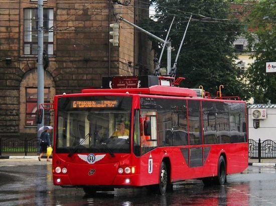 Ярославль закупает еще семь современных красных троллейбусов с Wi-Fi