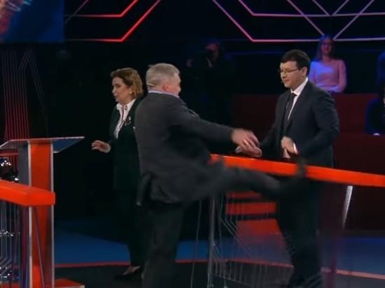 Украинские политики устроили драку впрямом эфире