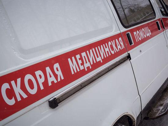 На трассе Оренбург Самара малолитражка сбила дорожных рабочих