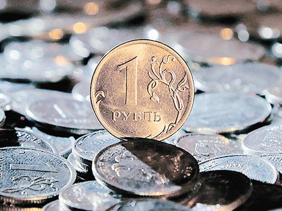 Падающий рубль стал заложником политики: хорошего не ждем