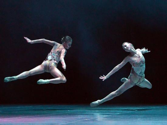 Итоги хореографического конкурса: номера депрессивные, на сцене — кромешная тьма
