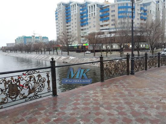 В Астрахани вандалы совершили набег на мост Дружбы