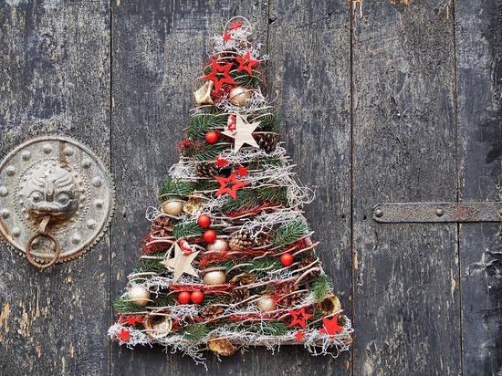 Елки не на палке: в рождественскую моду входят деревья из всякой всячины