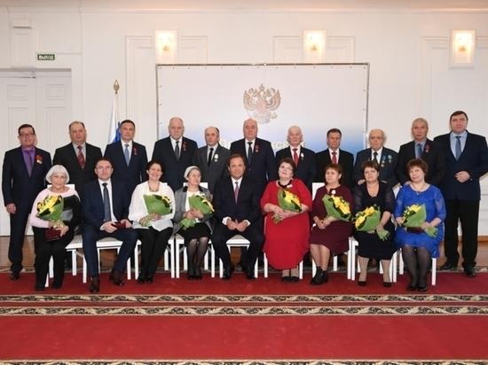 Игорь Комаров вручил государственные награды жителям Приволжья