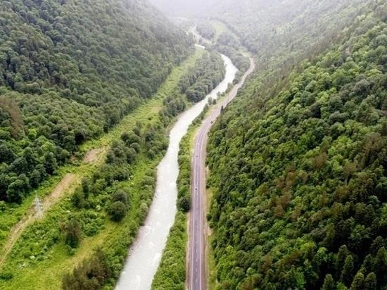 Дорожники отремонтируют десятикилометровый участок трассы через Архыз