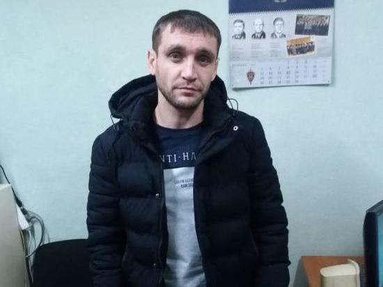 В Новосибирске трое мужчин в медицинских масках ограбили квартиру