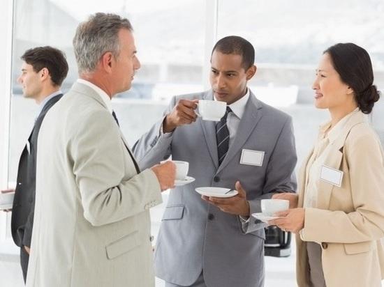 Работодатели запрещают томичам пить чай на работе