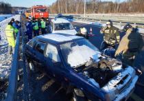 На трассе М-11 в Тверской области «спасали» попавших в аварию
