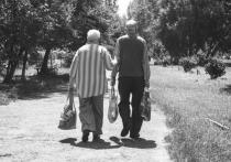 Пары, живущие вместе более десяти лет, чувствуют себя более счастливыми, чем одинокие люди того же возраста, утверждают специалисты из  Калифорнийского университета в Беркли