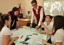 В Петербурге разогнали боровшихся за свои права школьников