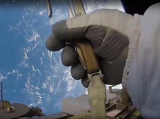 NASA: вылетевший с МКС в космос инструмент не представляет угрозы