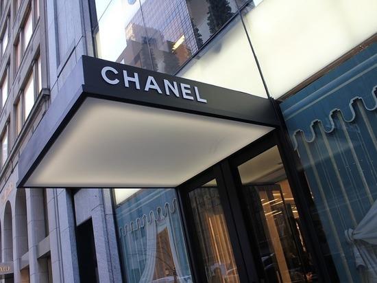 Дом Chanel отказывается от использования кожи крокодила