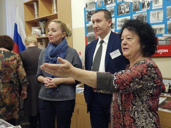 Необычная новосибирская школа отметила 60-й день рождения