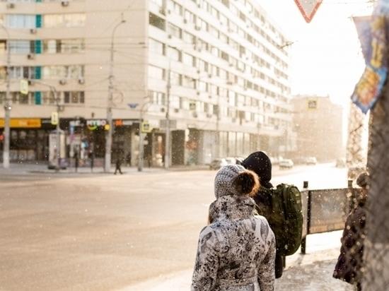 Коммунальщики обрабатывают улицы Волгограда от гололеда