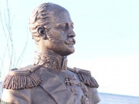 Железнодорожники Волгограда открыли в городе памятник Николаю I