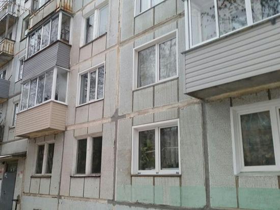 Госжилинспекция проверяет кировский дом, где протекает крыша и нет освещения