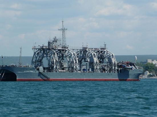 В Севастополь вернулось старейшее судно-спасатель подлодок