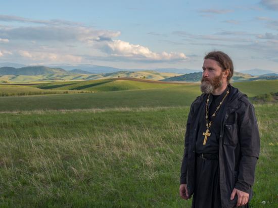 Православный священник объяснил, как утешает жертв страшных катастроф