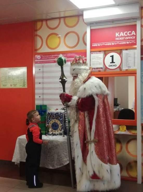 В Екатеринбурге на детской железной дороге заработала почта Деда Мороза