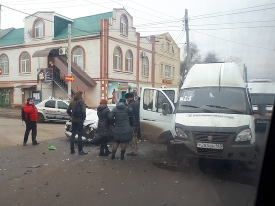 В Астрахани 4 человека пострадали в маршрутке