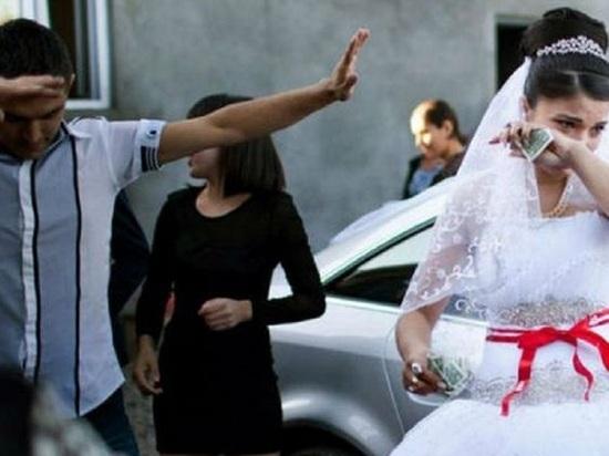 Гражданин Азербайджана обосновался в России, фиктивно женившись на новодвинке