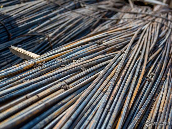 Кузбассовец за одну ночь похитил несколько тонн металла