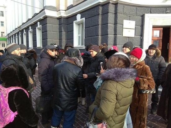 Несанкционированный митинг у крыльца Народного Хурала был на руку мэру Улан-Удэ
