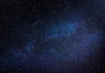 В середине декабря любители астрономии смогут почти подряд наблюдать в ночном небе два любопытных астрономических явления