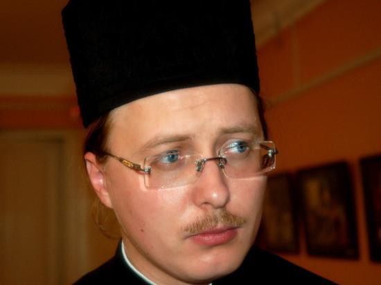 Тверской священник удалил фото дорогих ботинок из-за скандала в сети. Фото