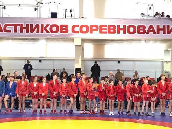В Серпухове проходит областной турнир по самбо