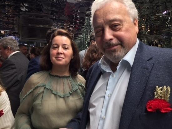 """Зеркальный сбор в """"Табакерке"""": Машков добыл Атом солнца"""
