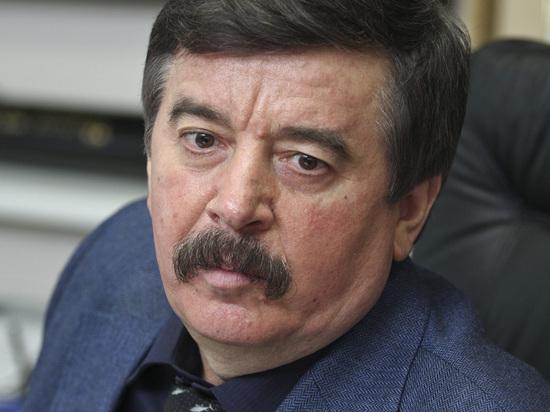 Шахрай ответил на вопрос, стоит ли продлевать полномочия Путина