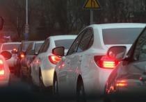 Жители Рудничного района Кемерова опоздали на работу из-за пробок