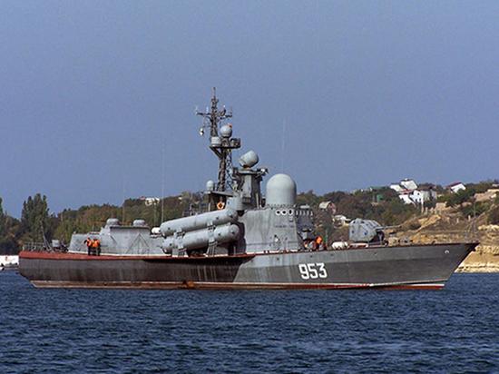 Украина устроила слежку за военными кораблями России в Чёрном море