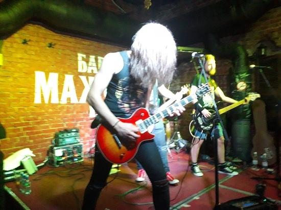 Гитариста известной панк - группы избили после концерта в Обнинске