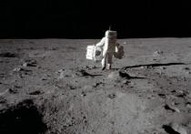 Директор  геохимии и аналитической химии Российской академии наук Юрий Костицын привёл несколько доказательств в пользу того, что американцы в прошлом действительно высаживались на Луну