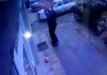 Страшный эпизод попал на видеокамеры в Махачкале
